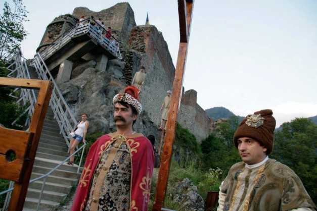 Astăzi, surprize la Dracula Fest!
