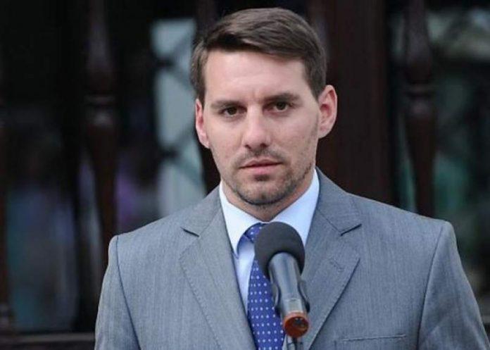 Principele Nicolae, amendat şi lăsat pieton de poliţiştii argeşeni