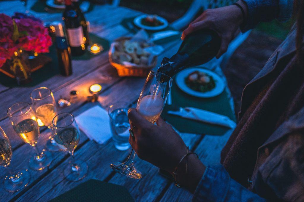 Comanda online bauturi alcoolice pentru nunta si economiseste bani! Ce sortimente sa alegi