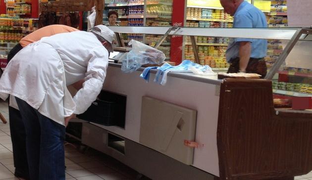 Tone de carne stricată și lactate expirate - RETRASE din magazine, DISTRUSE