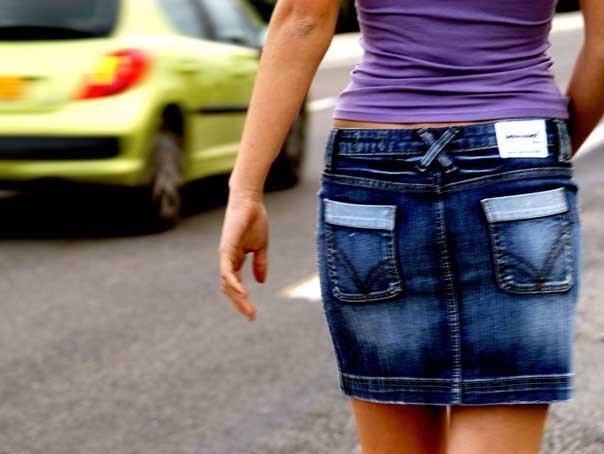Puştoaică din Argeş RACOLATĂ pentru prostituţie!