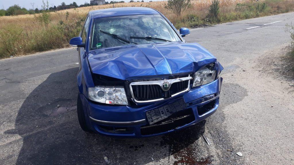 Şoferiţa a ignorat semnul de cedează