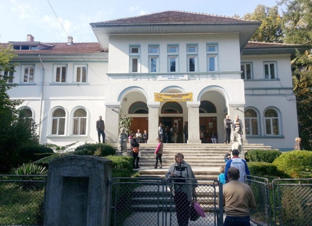Palatul Copiilor îşi deschide larg porţile