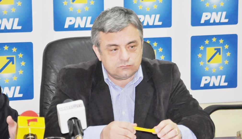 Puciştii liberali s-au întâlnit cu Rareş Bogdan