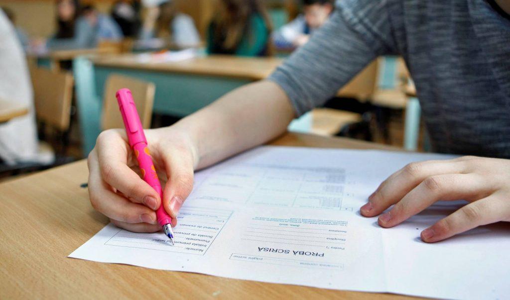 Etapă specială pentru elevii care ratează evaluarea naţională