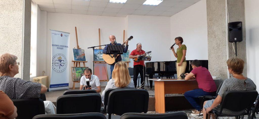 VIDEO - Concert folk-hop la Centrul Cultural Pitești