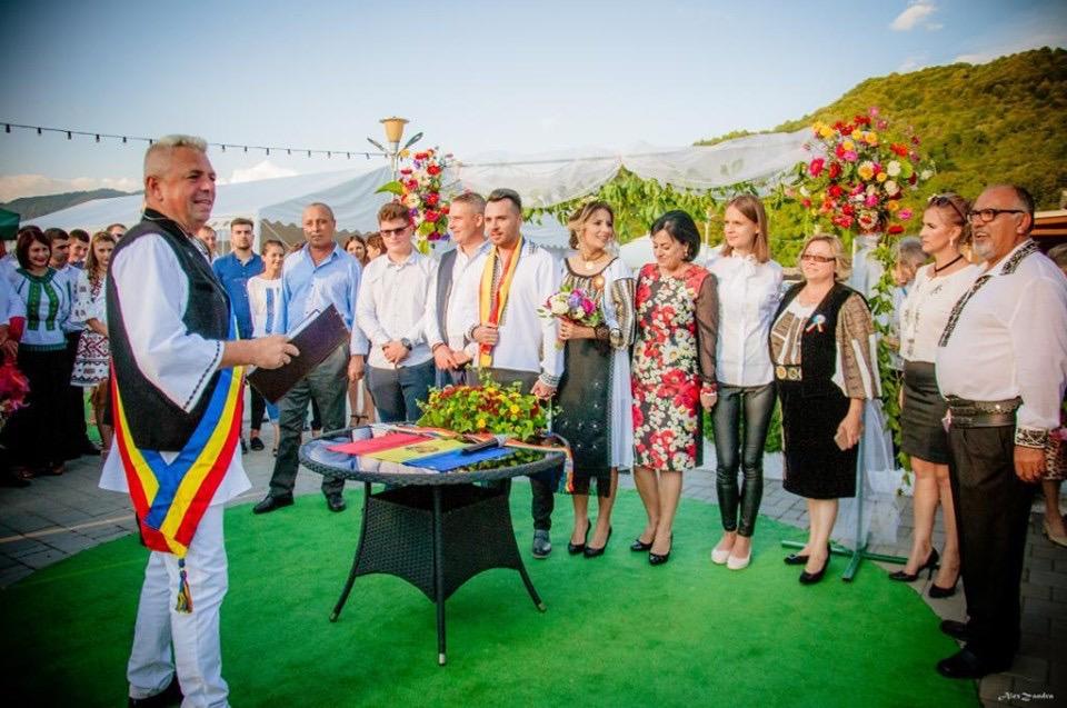 Căsătorie pe Vârful Moldoveanu!