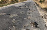 Pe drumuri bombardate spre fabricile din Oarja