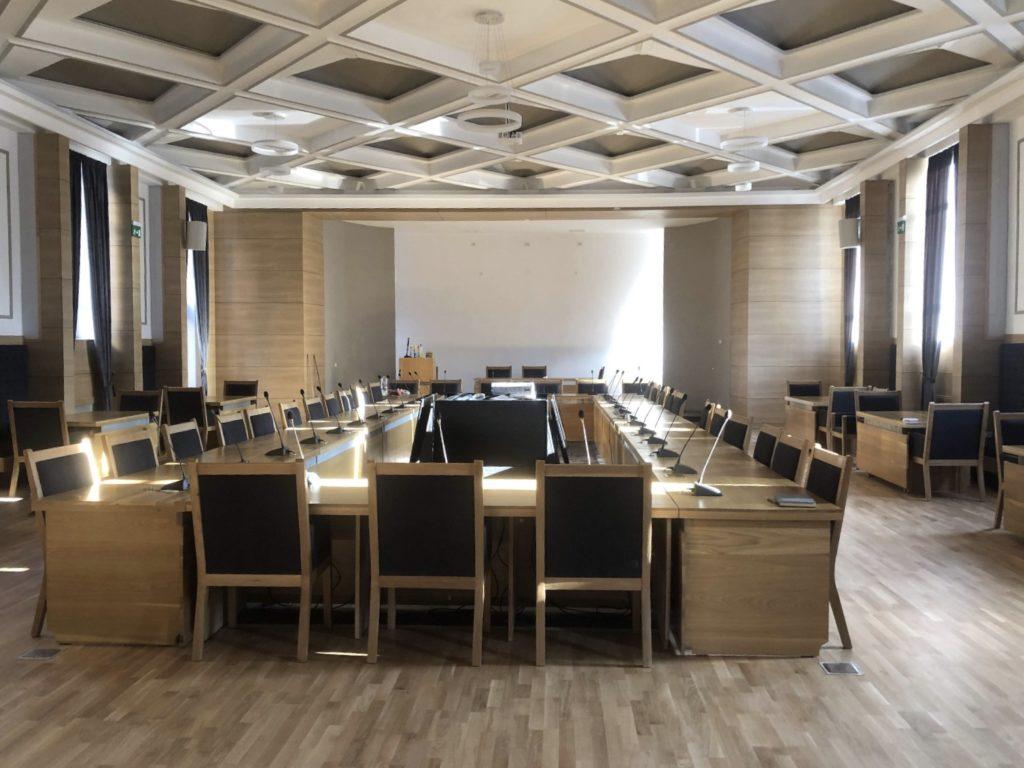 Prima şedinţă în sala modernizată