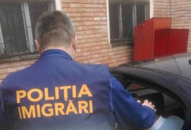 Tânără din Moldova trimisă înapoi peste Prut