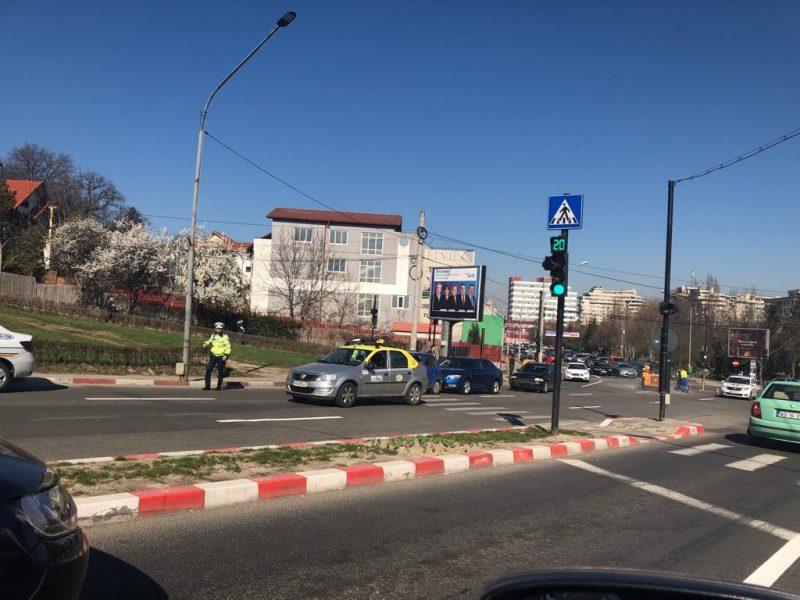 Taximetrist rănit de autobuzul pentru salariați Dacia