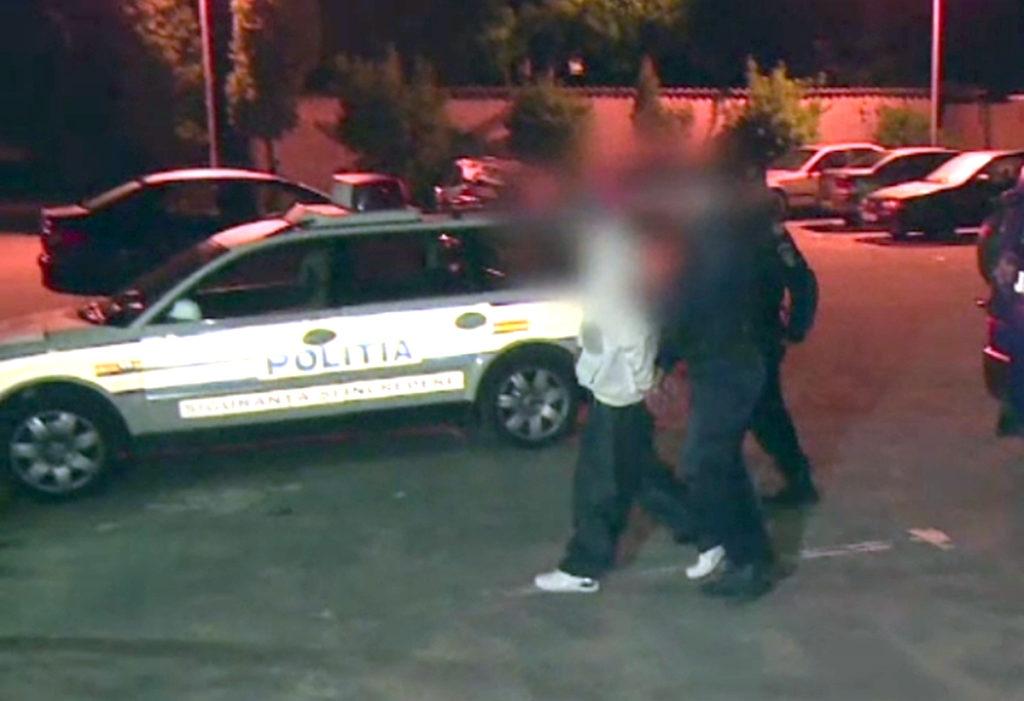 (VIDEO) CÂMPULUNGEAN REŢINUT DE POLIŢIŞTI