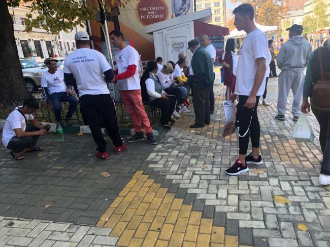 Cumpănașu își face campanie cu romi la Pitești