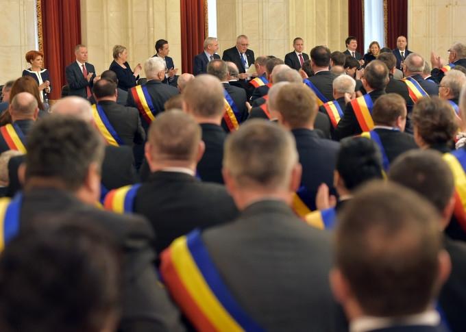 Pensii speciale pentru primari şi şefi de consilii judeţene