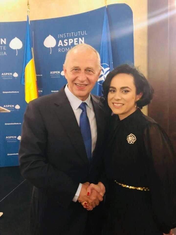 Simona Bucura Oprescu, mesaj pentru Mircea Geoană