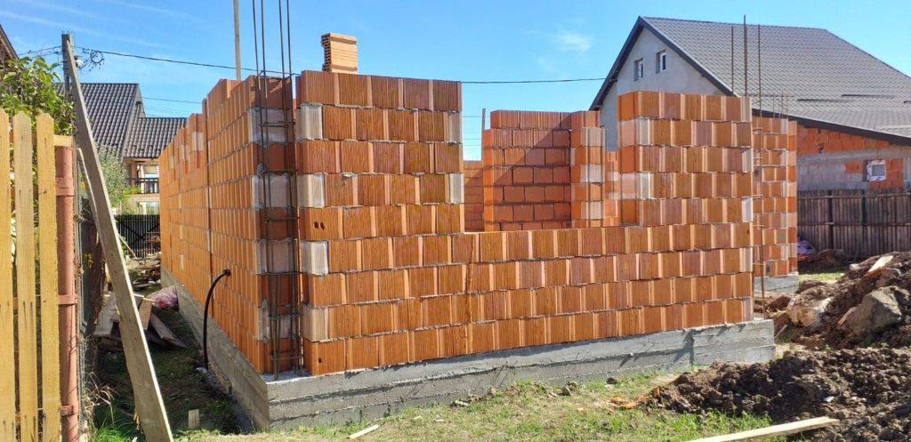 Parohia Mavrodolu construieşte o casă pentru opt copii