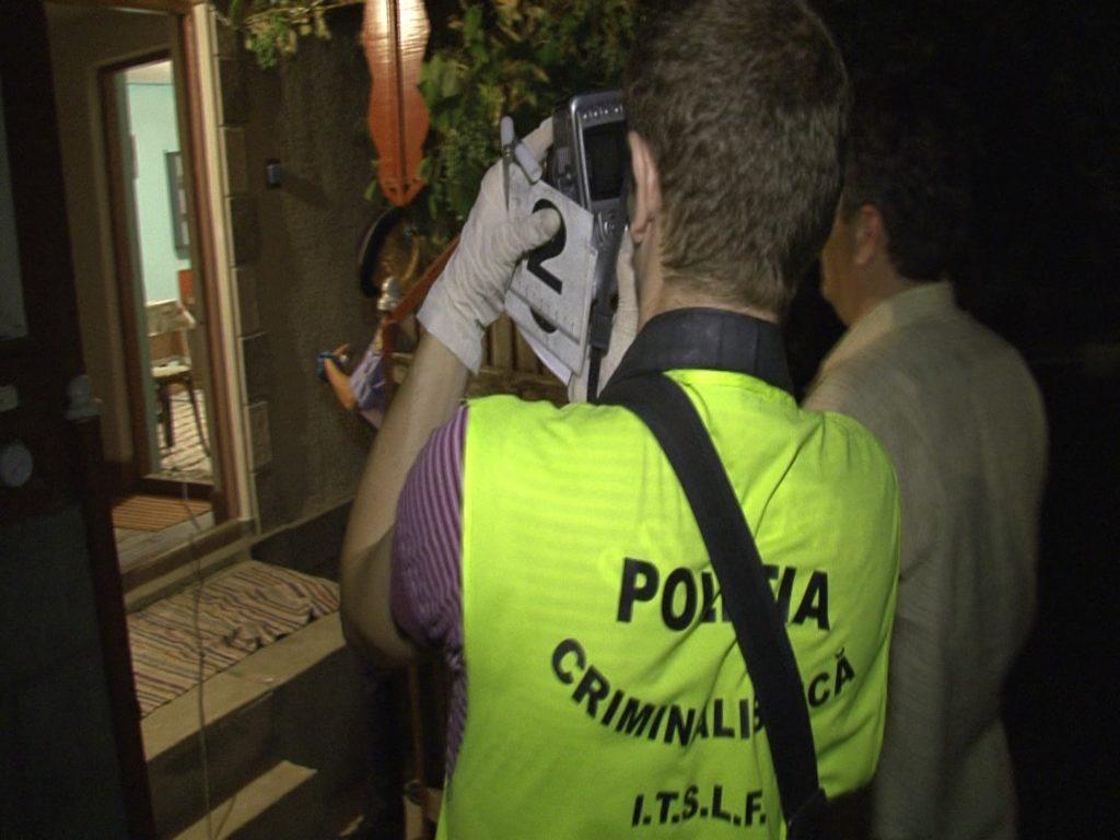 Poliţiştii Antidrog Piteşti au descins la Dâmboviţa