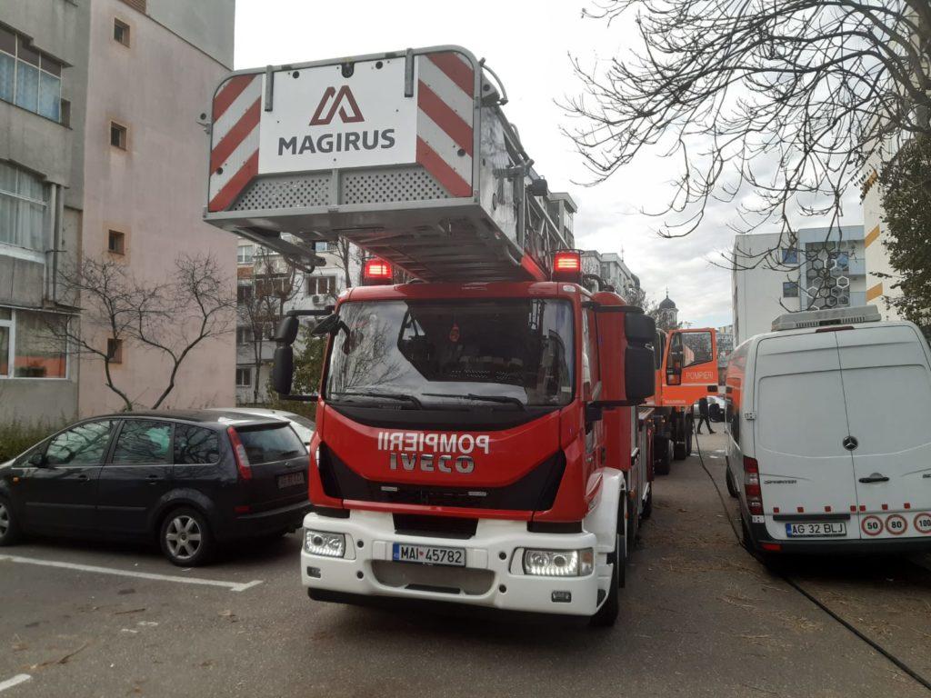 Incendiu în Popa Șapcă! PANICĂ și locatari evacuați