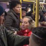 VIDEO - Încăierare într-un autobuz PUBLITRANS, pe linia 2