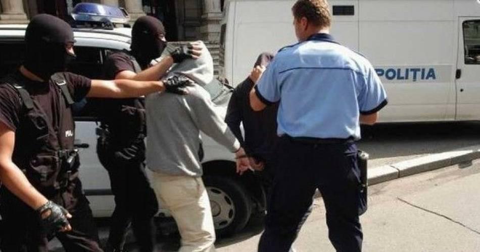 Hoți din București au dat spargeri în Pitești