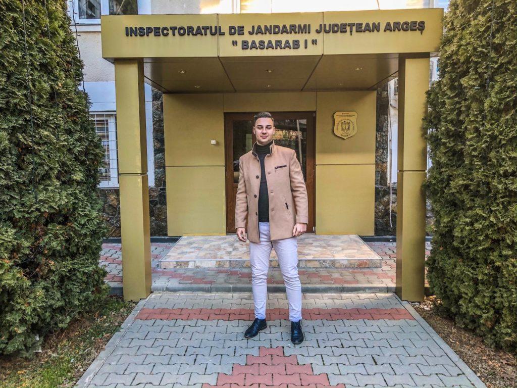 """Tânăr argeșean, admis cu cea mai mare medie la Școala de Subofițeri Jandarmi """"Grigore Alexandru Ghica"""" Drăgășani"""