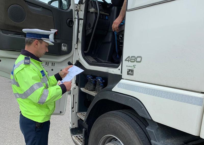 Transportatorii rutieri, în atenţia poliţiştilor