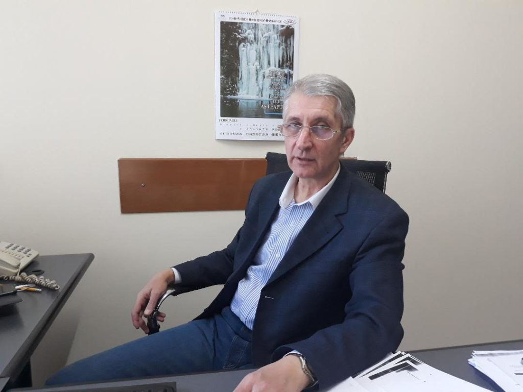 DR. ADRIAN STOICA, DETAŞAT PE AEROPORT