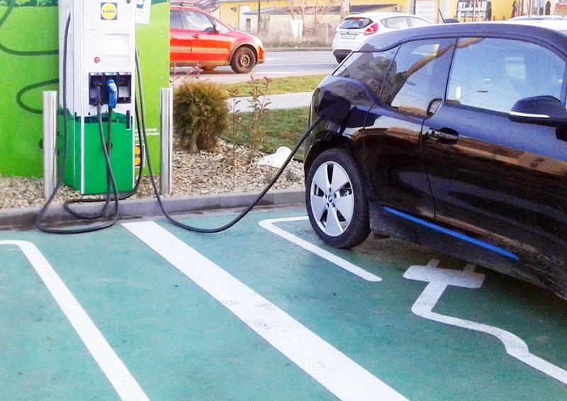 Finanţare pentru încărcarea maşinilor electrice