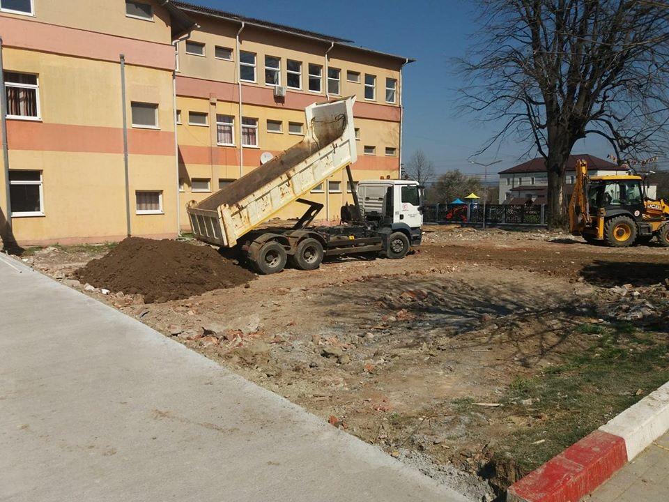 Lucrări la foc automat la Spitalul Mioveni