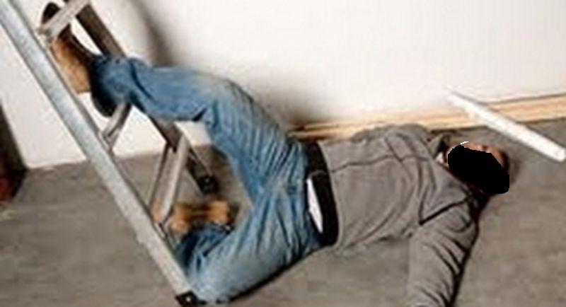 Copil cazut de la etaj