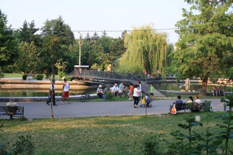 La Piteşti, LIBER în parcuri şi la locurile de joacă