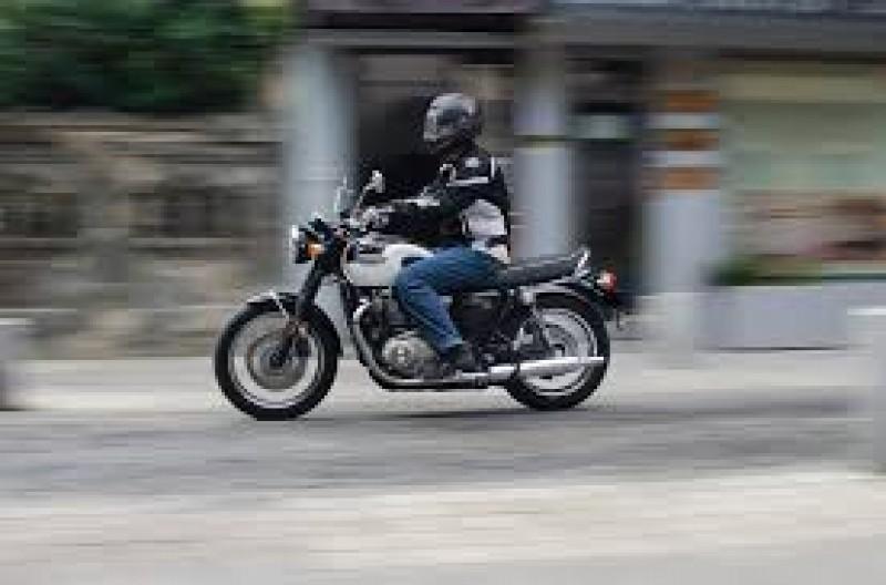 AMENDĂ ȘI PERMISUL SUSPENDAT PENTRU UN MOTOCICLIST