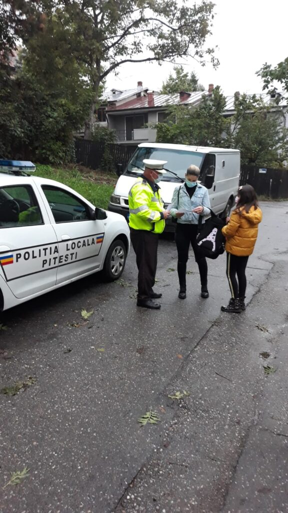 MASCA DEVINE OBLIGATORIE: POLIȚIA LOCALĂ DISTRIBUIE PLIANTE CU HOTĂRÂREA
