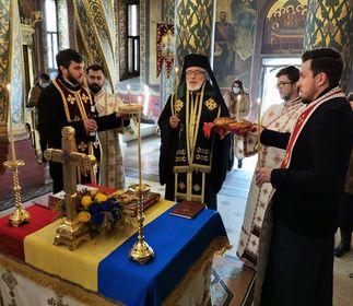 În catedrala arhiepiscopală, Părintele Calinic s-a rugat pentru Regele Ferdinand şi Regina Maria