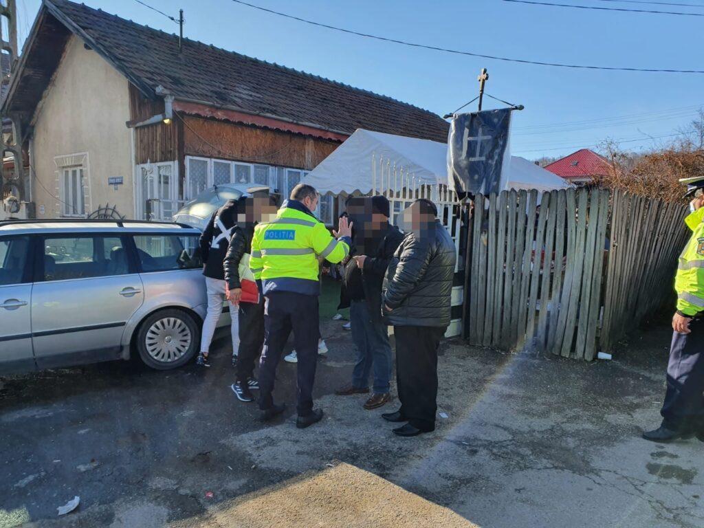 POLIȚIA ȘI JANDARMI, AMENZI LA UN PRIVEGHI ÎN ARGEȘ