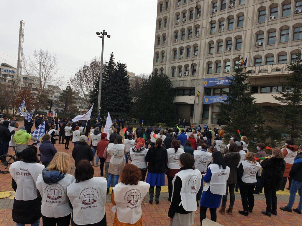 ACUM: PROTESTE ÎN PIAȚA MILEA