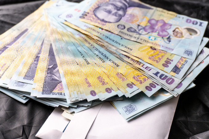 PESTE 40.000 DE ARGEȘENI CU SALARIU  MINIM