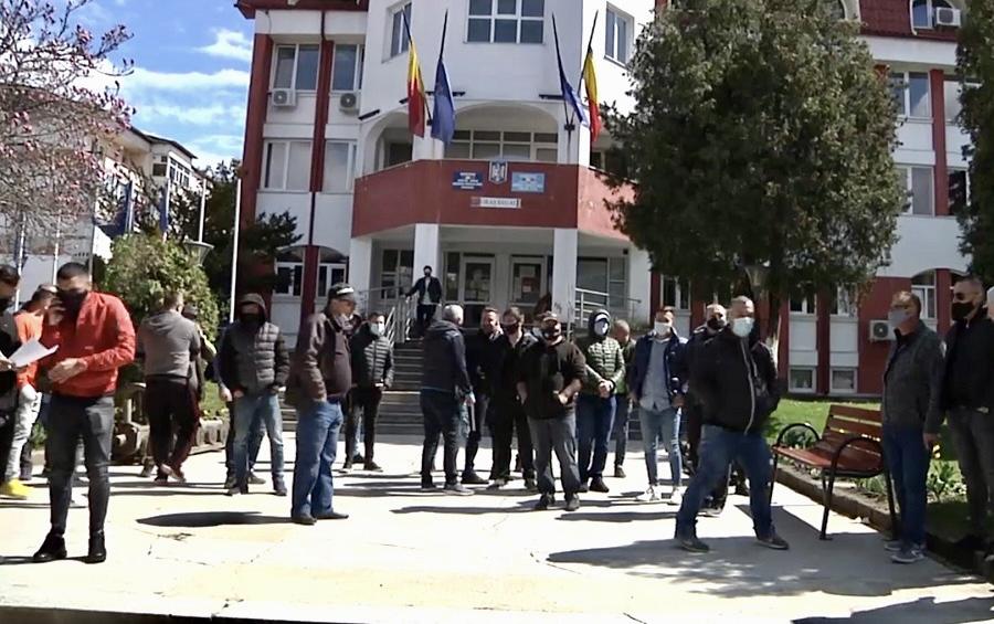 PROTEST AL TAXIMETRIȘTILOR LA CURTEA DE ARGEȘ