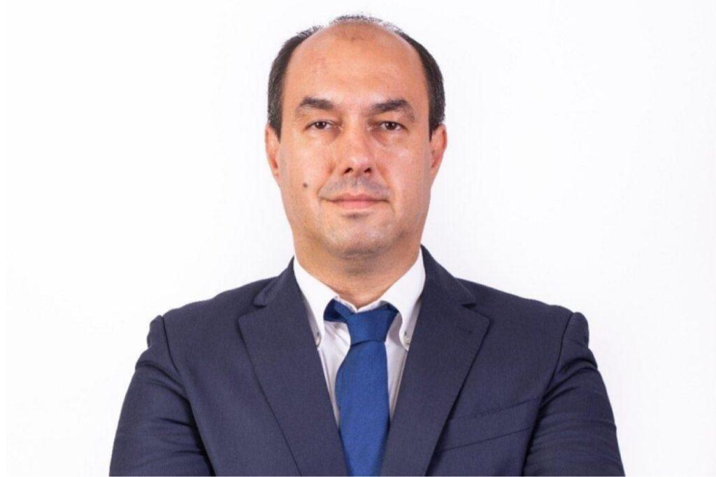 SORIN APOSTOLICEANU, NUMIT DIRECTOR ECONOMIC LA RATEN