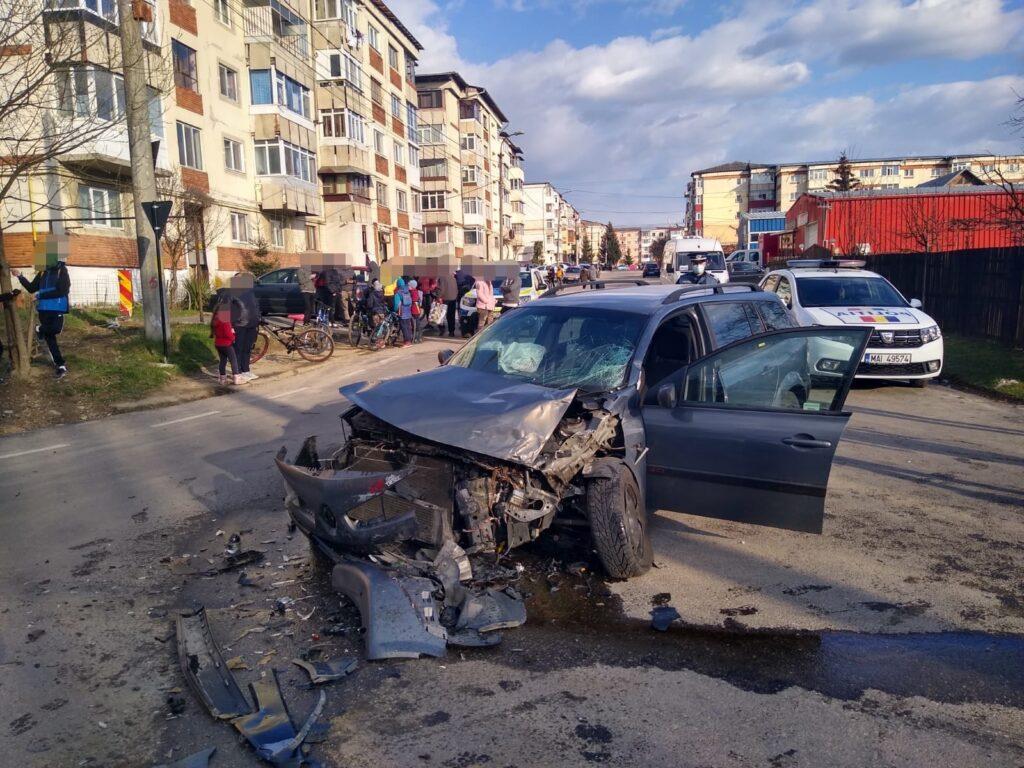 DUPĂ ACCIDENT, S-AU BĂTUT PE CINSTE ÎN ARGEȘ