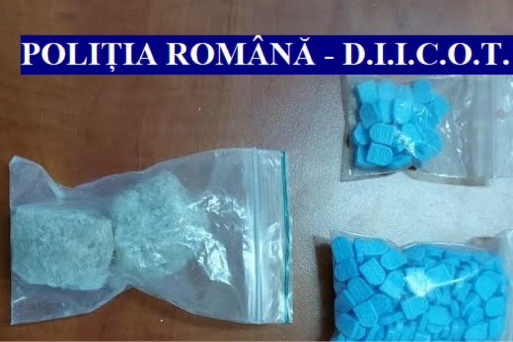 Flagrant delict în Argeș. Vindeau droguri de mare risc