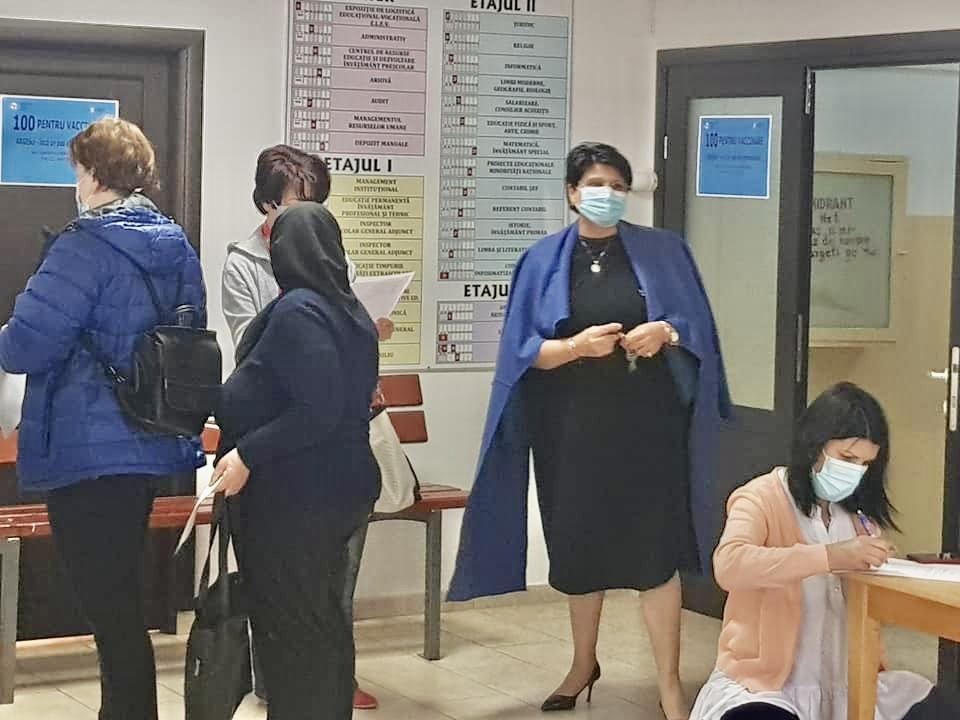 Centre de vaccinare în patru colegii din Argeș