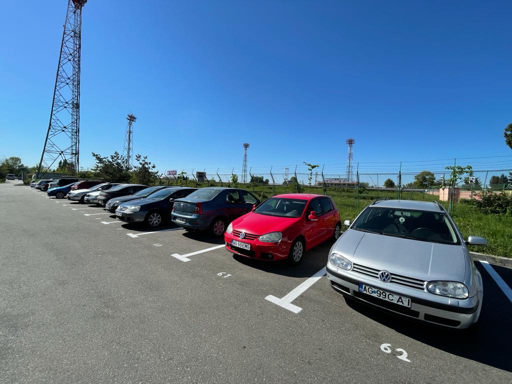 Locuri de parcare pentru maşini grele, la stadion