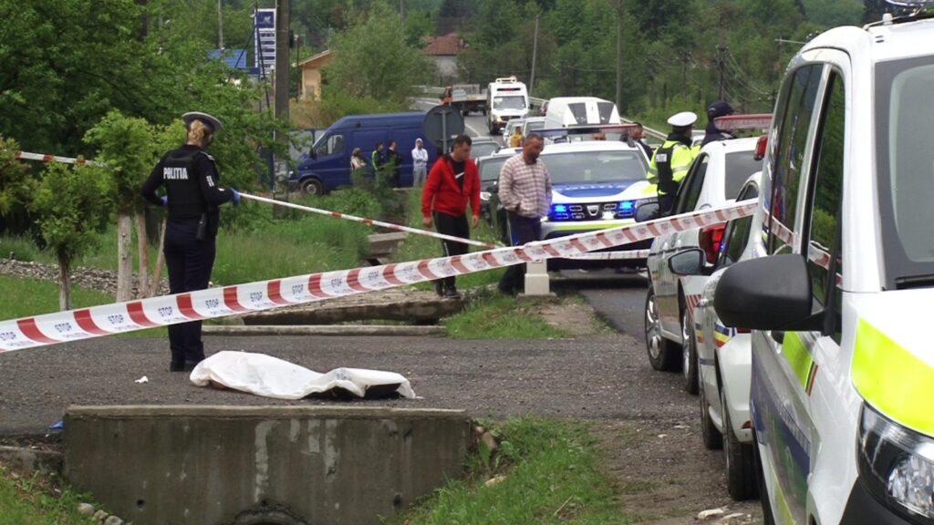 Victimele dublei crime de la Mihăeşti, conduse pe ultimul drum