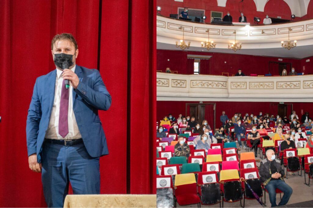 Managerul teatrului din Pitești a intrat