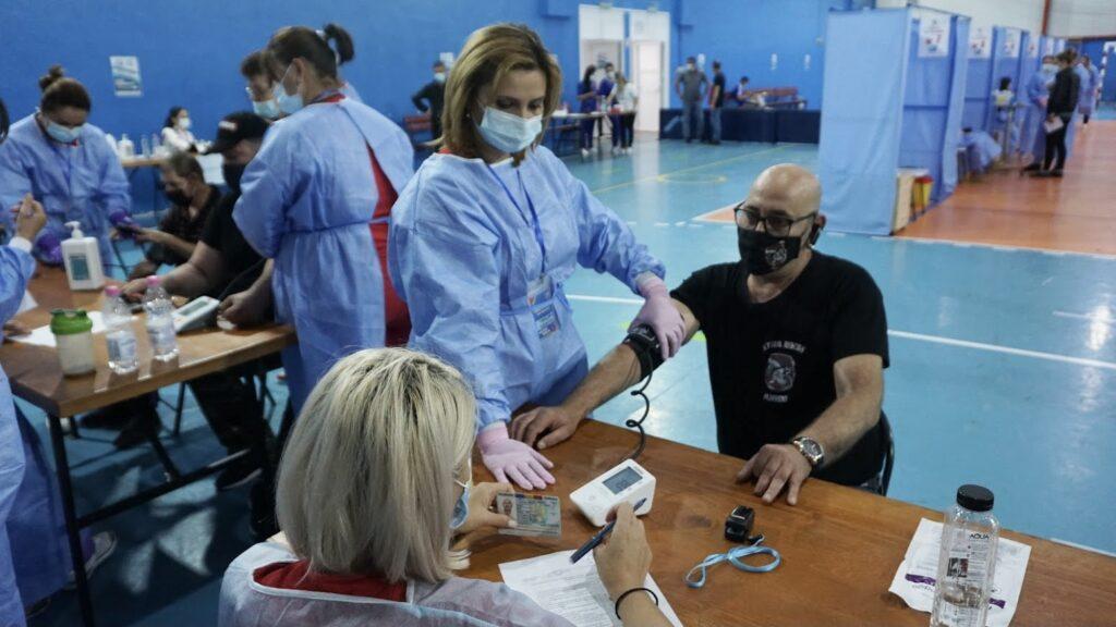 Peste 900 de persoane vaccinate fără programare la Mioveni