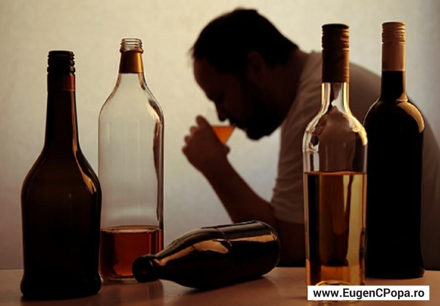 80% dintre bărbați și 55% dintre femei sunt consumatori de alcool
