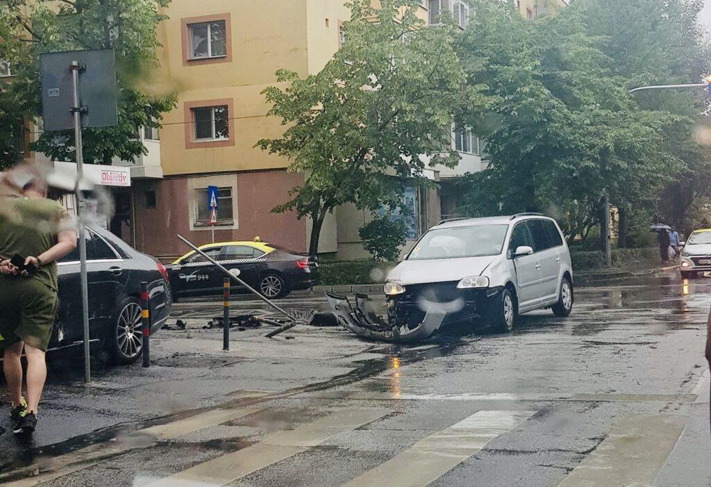 Acum: Accident în Găvana, pe strada Liviu Rebreanu