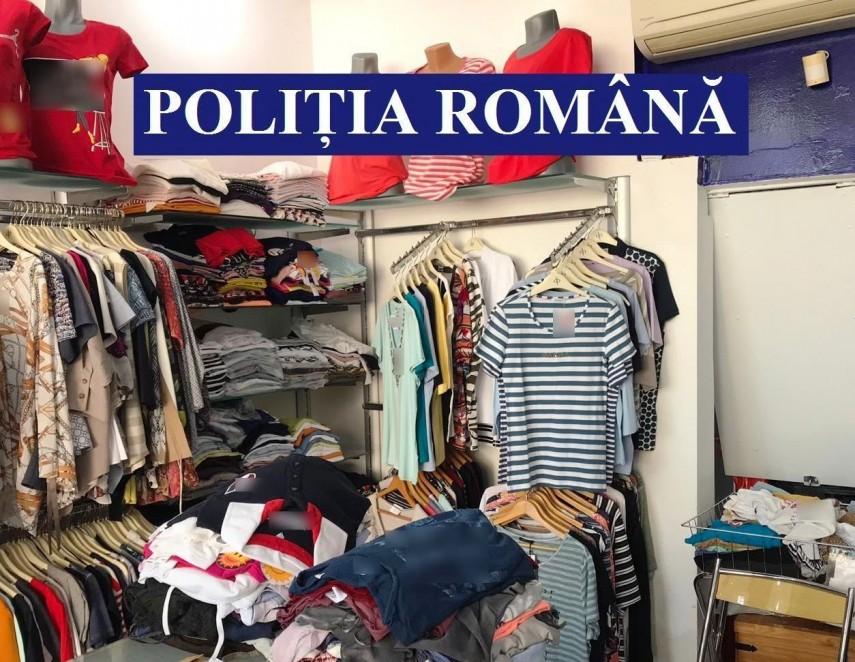Sute de articole vestimentare contrafăcute, vândute în Argeș