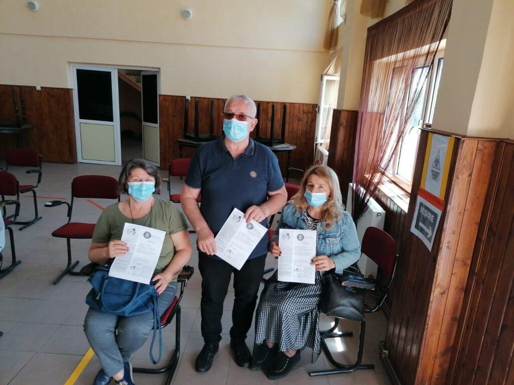 Primarul din Moşoaia s-a vaccinat împreună cu familia